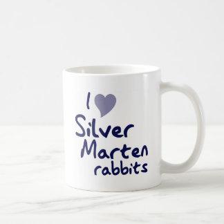 Taza de plata de los conejos de la marta