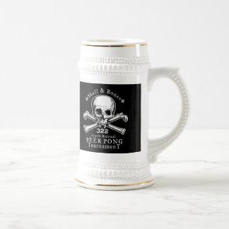 Taza de Pong del cráneo y de la cerveza de los hue