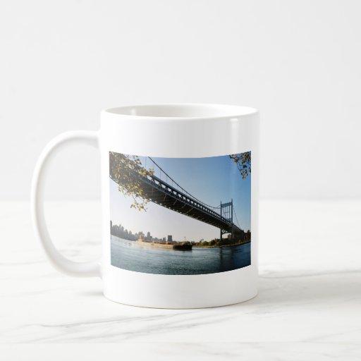 Taza de Roberto F. Kennedy Bridge