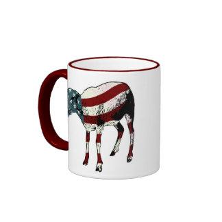 Taza de Sheeple del americano