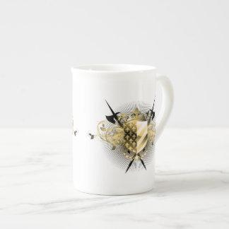 Taza de té medieval del escudo taza de porcelana