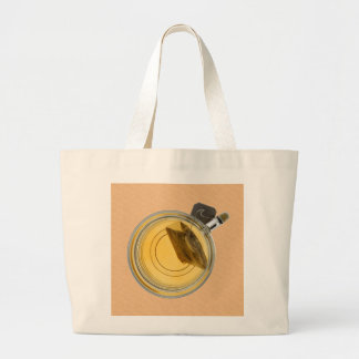 Taza de té y bolsita de té del empapamiento bolsa