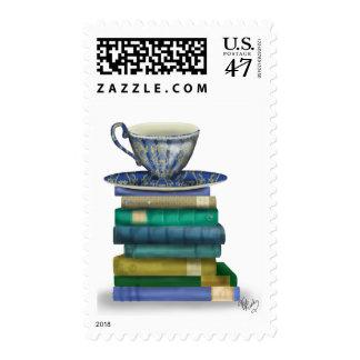 Taza de té y libros estampilla