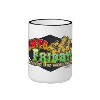 Taza de viernes de la hawaiana - diseños por BadTu