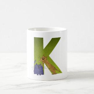 Taza del alfabeto K del gato
