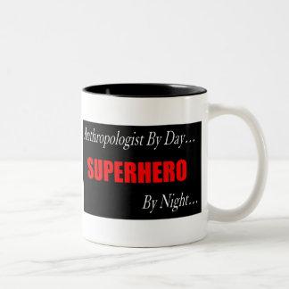 Taza del antropólogo del super héroe