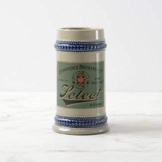 Taza del anuncio de la cerveza del vintage