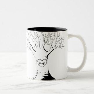 """""""Taza del árbol del amor"""" Taza De Dos Tonos"""