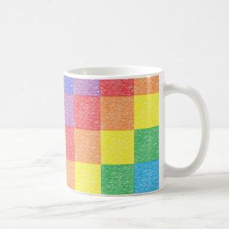 Taza del arco iris del remiendo