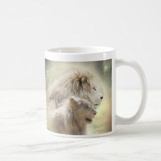 Taza del arte de la luna del león