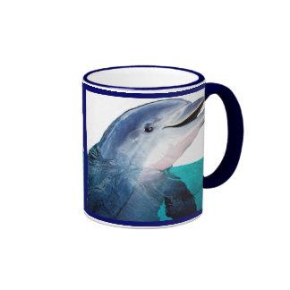 Taza del arte del delfín