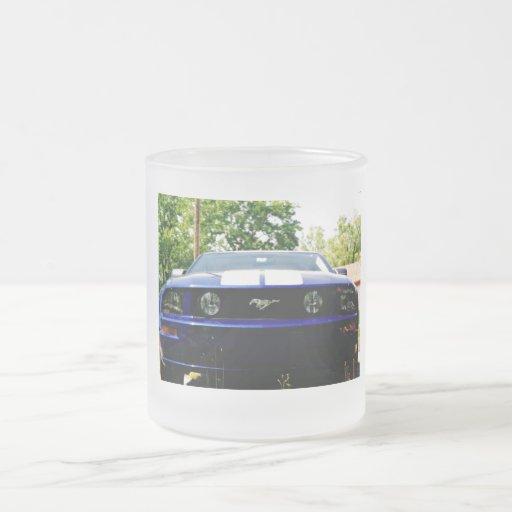 Taza del azul del coche del músculo