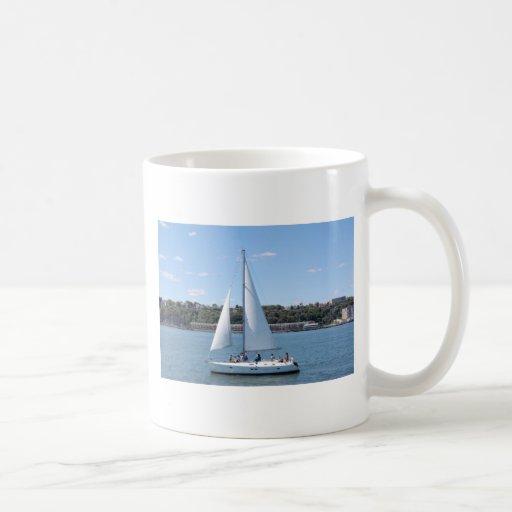 Taza del barco de vela