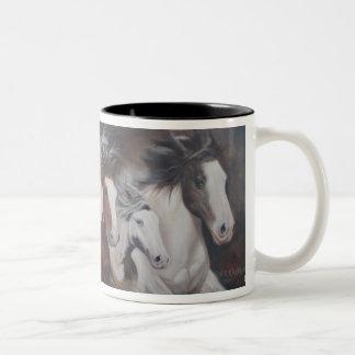 Taza del caballo del funcionamiento del gitano