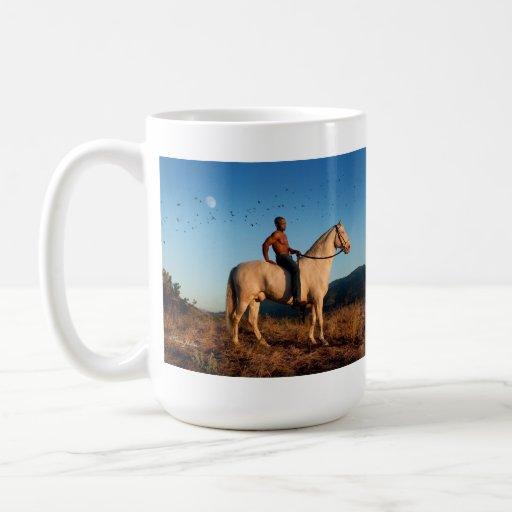 Taza del caballo del hombre de la luna del pájaro