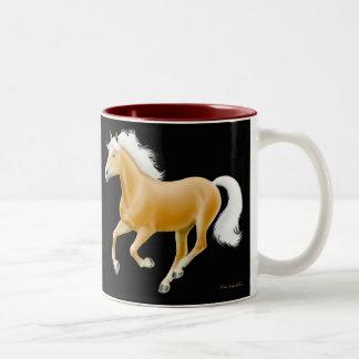 Taza del caballo del Palomino de Haflinger