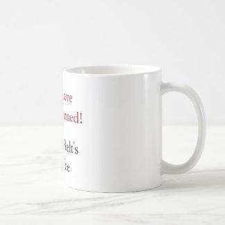 Taza del café de la correa negra