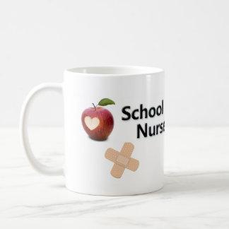 Taza del café de la enfermera de la escuela