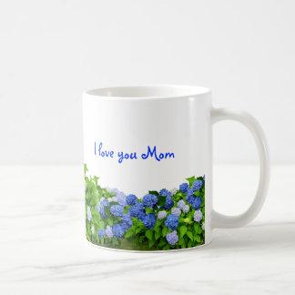 Taza del café de la mamá azul de los Hydrangeas