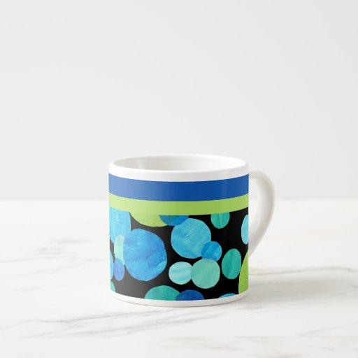 Taza del café express con el modelo de las lunas a tazita espresso