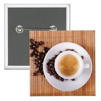 Taza del café express en una estera pin cuadrada 5 cm
