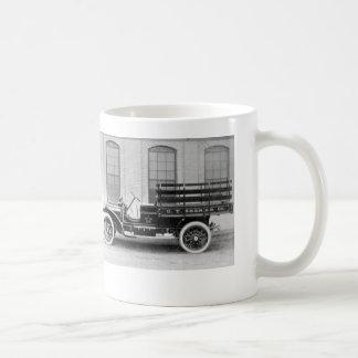 Taza del camión de Packard del vintage