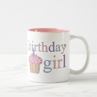 Taza del chica del cumpleaños