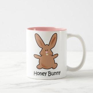 Taza del conejito de la miel