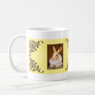 Taza del conejo del Victorian en amarillo
