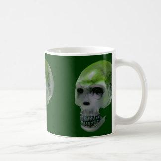 Taza del cráneo del zombi (verde)
