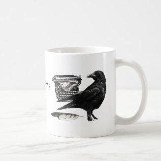 Taza del cuervo del escritor