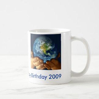 Taza del cumpleaños del Día de la Tierra