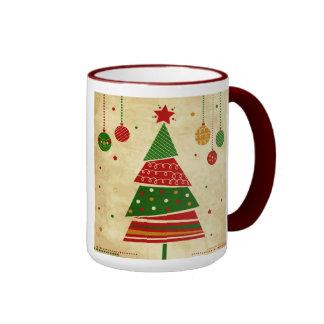 Taza del día de fiesta del árbol de navidad del es
