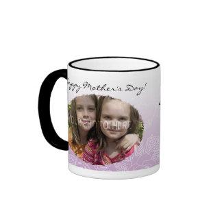 Taza del día de madre personalizada de los rosas