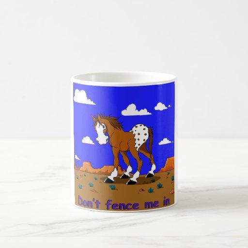 taza del dibujo animado del caballo