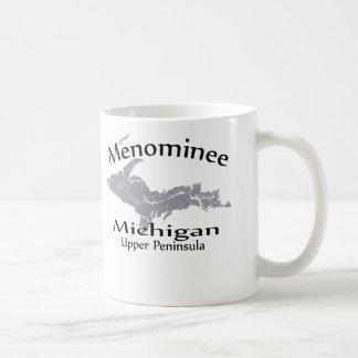 Taza del diseño del mapa de Michigan del Menominee