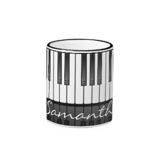 Taza del diseño del teclado de piano