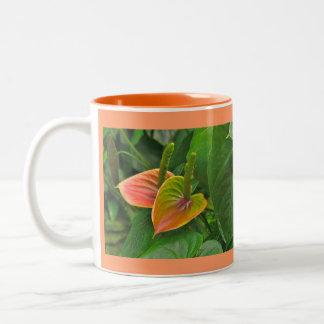 "Taza del Dos-Tono de la ""flor Anthurium-Tropical"""