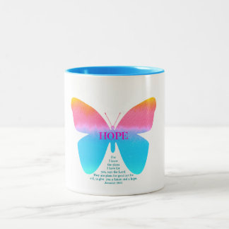 Taza del Dos-Tono de la mariposa de la esperanza