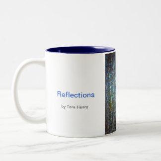 Taza del Dos-tono de las reflexiones de Tara Henry