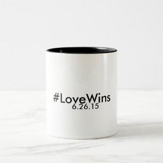 taza del Dos-Tono de los #LoveWins 11oz