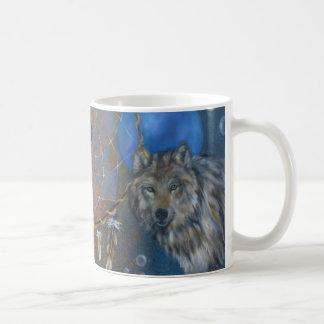 Taza del dreamcatcher del lobo del puma