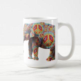 Taza del elefante del Hippie de la paz y del amor