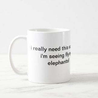 taza del elefante del vuelo