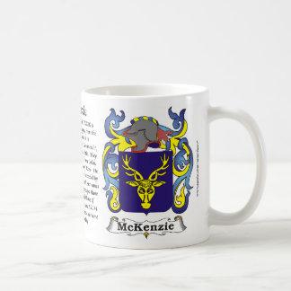 Taza del escudo de armas de la familia de McKenzie