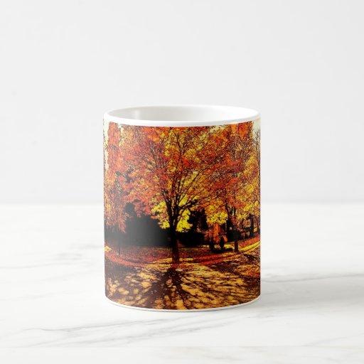 Taza del esplendor del otoño