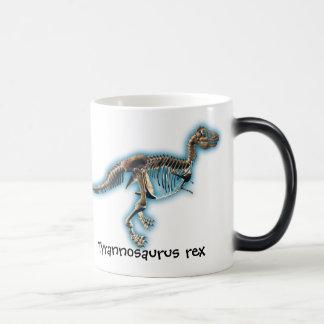 Taza del esqueleto del dinosaurio del rex del T.