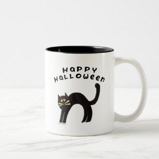 Taza del feliz Halloween del gato negro