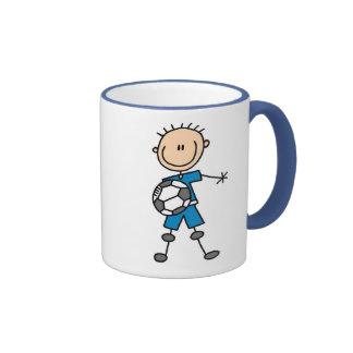 Taza del fútbol de los muchachos azules