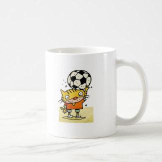 Taza del gatito del fútbol